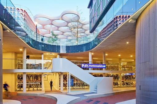 Chiêm ngưỡng nhà để xe đạp lớn nhất thế giới Utrecht (Hà Lan)