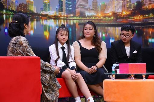 Ốc Thanh Vân đồng cảm với người mẹ đơn thân phải xa con để đi kiếm tiền