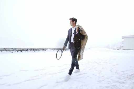 Federer tích cực tập luyện dưới trời tuyết