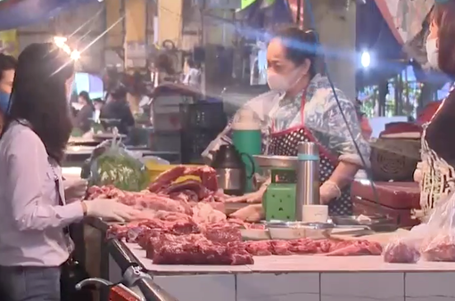 """Vì sao thịt lợn """"hạ nhiệt"""" nhưng chưa chạm mốc kỳ vọng của người tiêu dùng?"""