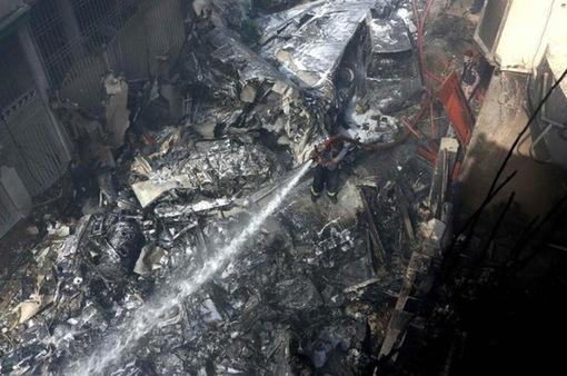 Tai nạn máy bay tại Pakistan: Phi công đã phớt lờ 3 cảnh báo?