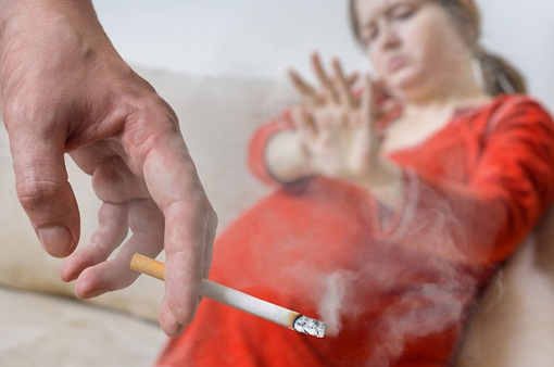Phụ nữ mang thai, trẻ em - Đối tượng chịu ảnh hưởng nặng nề của hút thuốc lá thụ động