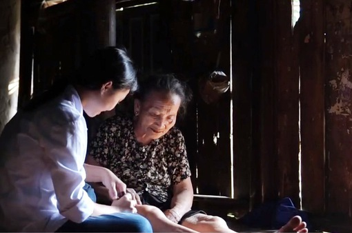 Nghị lực của cô học trò mồ côi ở Vĩnh Phúc