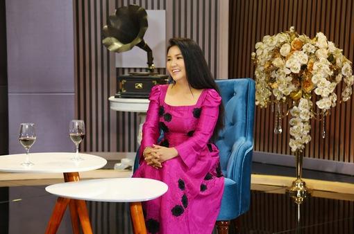 """Kiếm tiền chính trong nhà, """"mẹ chồng quốc dân"""" Ngân Quỳnh vẫn không dám lấn lướt chồng"""