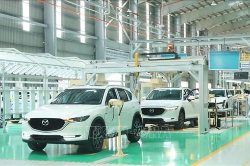 Giảm phí trước bạ, thị trường ô tô Việt Nam tăng trưởng trở lại