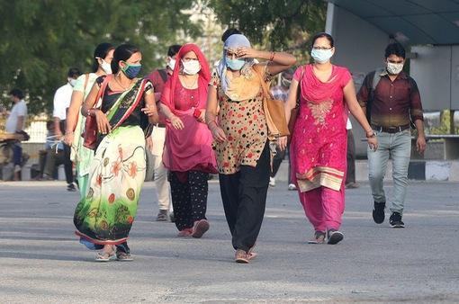 """Kem trắng da """"tiếp tay"""" cho chủ nghĩa phân biệt màu da tại Ấn Độ"""