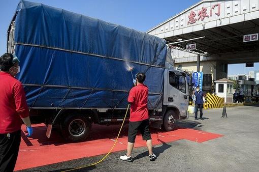 Bắc Kinh nới lỏng các hạn chế đi lại sau khi kiểm soát được dịch COVID-19