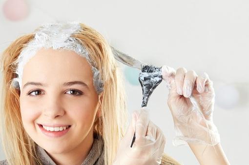 Tẩy tóc tại nhà: được 1, hại 3