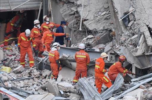 Vụ sập khách sạn cách ly COVID-19, Trung Quốc cáo buộc 23 đối tượng