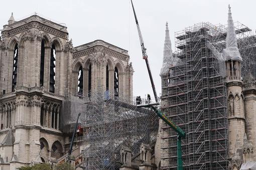 Bỏ qua hàng trăm thiết kế mới, Nhà thờ Đức Bà vẫn sẽ được phục hồi theo hình dáng ban đầu