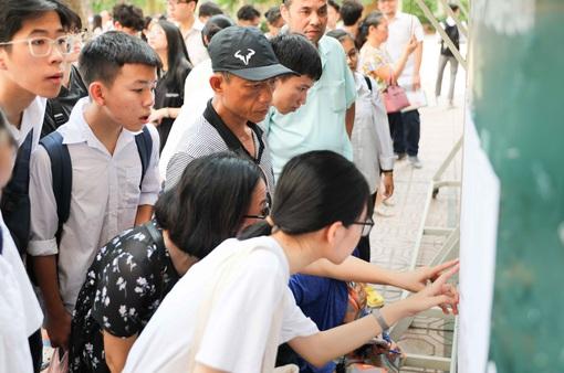 Học sinh Hà Nội bắt đầu khai Phiếu đăng ký dự tuyển vào lớp 10 THPT năm học 2021-2022