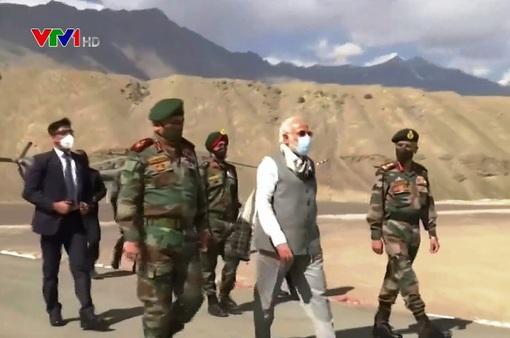 Thủ tướng Ấn Độ thị sát biên giới giáp Trung Quốc
