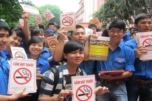 Tuyệt đối cấm mọi đối tượng hút thuốc, uống bia rượu ở trường học