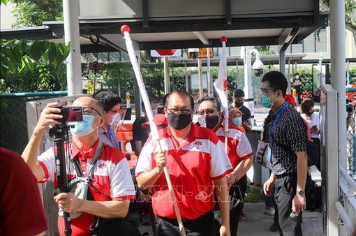 """""""Nóng"""" hoạt động tranh cử tại Singapore"""