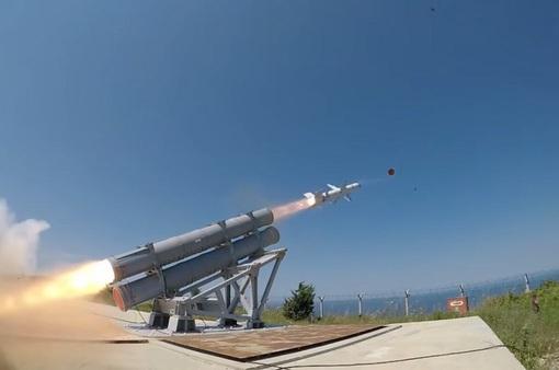 Thổ Nhĩ Kỳ phóng thử thành công tên lửa chống hạm sản xuất trong nước đầu tiên