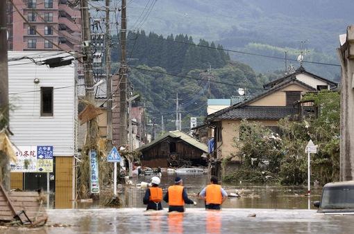 56 người thiệt mạng vì mưa lũ, Nhật Bản cảnh báo khẩn ở mức cao nhất