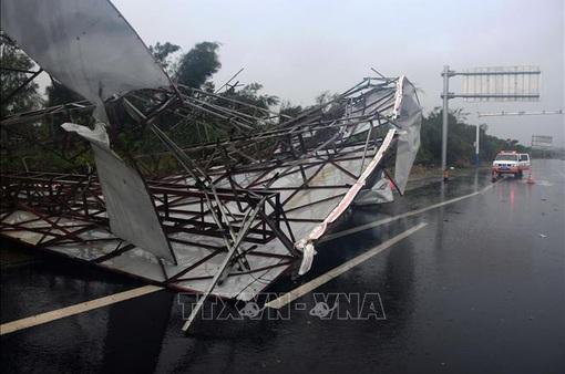 Bắc Kinh hủy hàng trăm chuyến bay do mưa bão