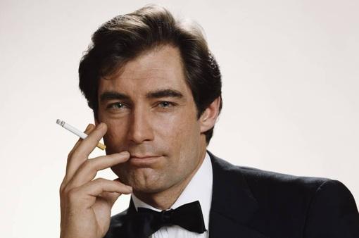 Sao phim James Bond yêu cầu các đạo diễn không đưa cảnh nóng vào phim