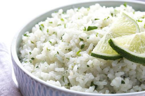 Nấu cơm theo kiểu Tây: Cách xử lý gạo và nước sẽ khiến người Việt bất ngờ