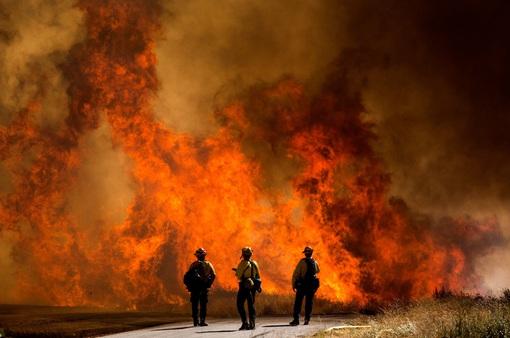 Cháy rừng lan rộng tại California (Mỹ), hàng nghìn người phải sơ tán