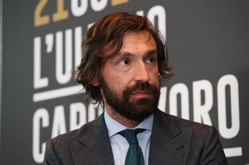 Pirlo và đội ngũ ban huấn luyện của Juventus có gì lạ?