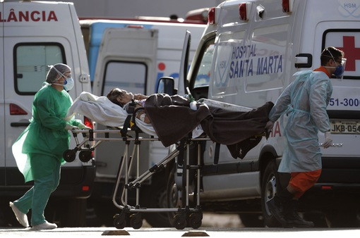 Hơn 18,6 triệu người mắc COVID-19 trên toàn cầu, Brazil vượt Mỹ về số ca nhiễm mới