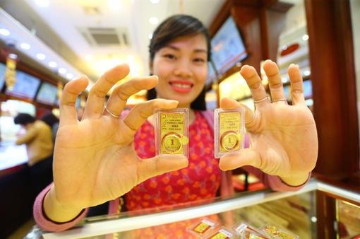 Giá vàng trong nước tiến sát mốc 59 triệu đồng/lượng