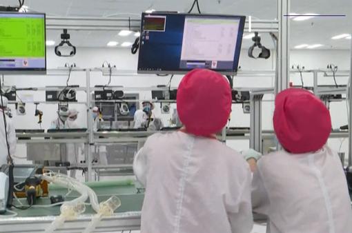 Các hãng truyền thông lớn đưa tin về nỗ lực sản xuất máy thở của Việt Nam
