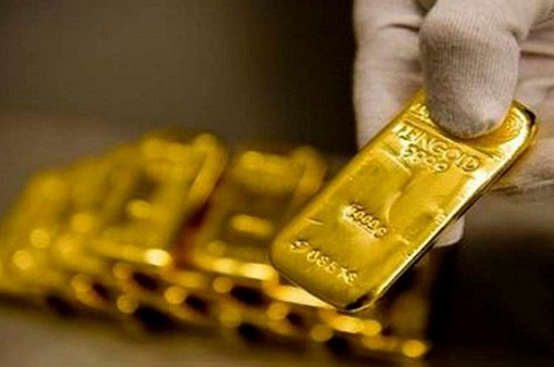"""Vàng """"lấp lánh"""" hơn sau tuyên bố của ông Trump"""