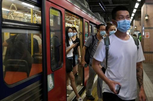 Bài học từ làn sóng COVID-19 thứ 3 tại Hong Kong (Trung Quốc)