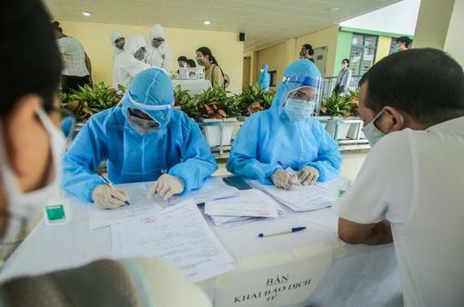 Hà Nội khẩn trương xét nghiệm PCR cho 75.000 người