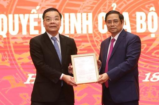 Ông Chu Ngọc Anh nhận quyết định giữ chức Phó Bí thư Thành uỷ Hà Nội