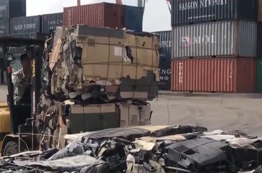 Có gì bên trong hơn 1.000 container phế liệu buộc tái xuất?