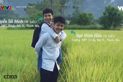 Điều ước thứ 7: Xúc động câu chuyện đôi bạn thân 10 năm cõng nhau tới trường