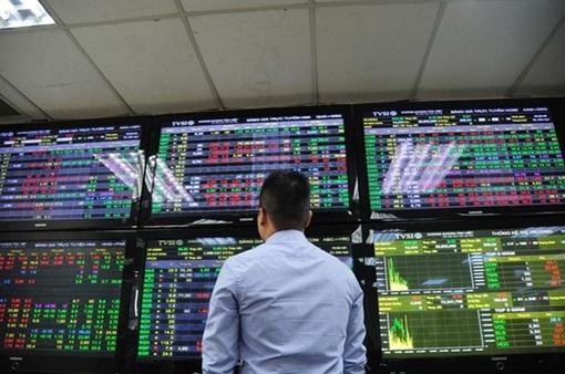 """""""Sóng ngầm"""" trên thị trường chứng khoán Việt"""