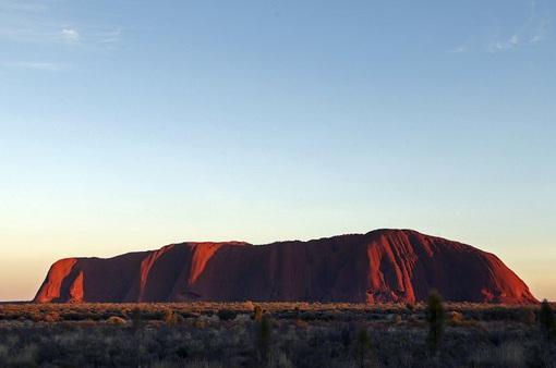 Australia yêu cầu Google gỡ bỏ hình ảnh núi thiêng Uluru