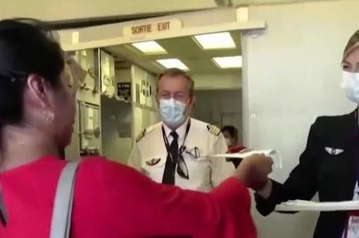 Nguy cơ nhiễm COVID-19 trên máy bay hiện rất thấp