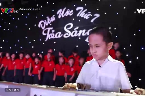 Điều ước thứ 7: Cậu bé khuyết tật đôi mắt đam mê những phím đàn