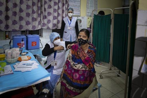 Ấn Độ bắt đầu chiến dịch tiêm chủng vaccine COVID-19 lớn nhất thế giới