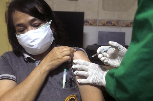 Indonesia ưu tiên tiêm vaccine COVID-19 cho người có tầm ảnh hưởng