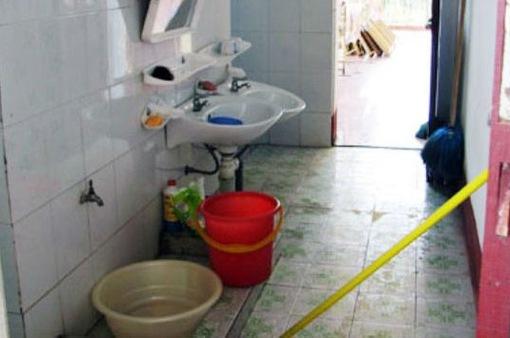 Bé trai 17 tháng tuổi tử vong do ngạt nước trong nhà tắm