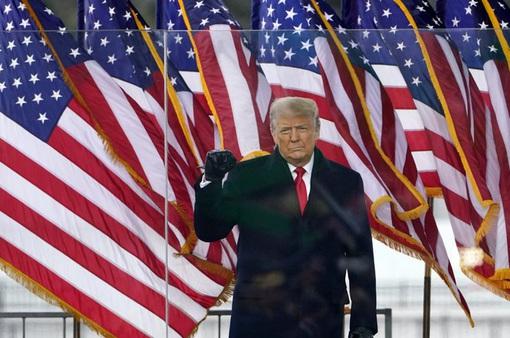 """Các """"ông lớn"""" mạng xã hội """"bao vây"""" Tổng thống Trump sau vụ bạo loạn"""