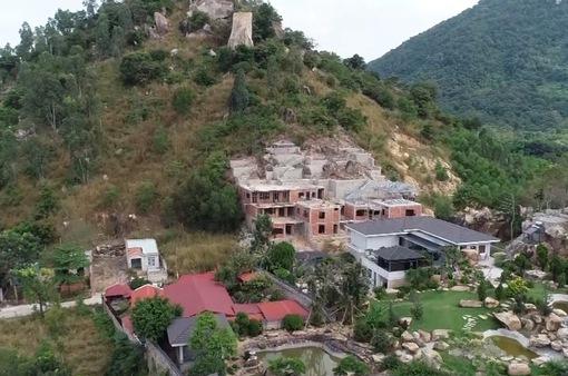 Bắt giam giám đốc xây nhiều biệt thự trái phép trên đất quốc phòng
