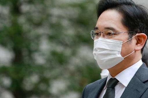 """""""Thái tử"""" Samsung bị kết án 30 tháng tù"""