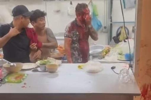 TP Hồ Chí Minh: Hỗn chiến trong quán nhậu, nhiều người bị thương