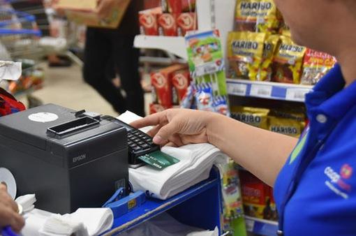 Phát triển thẻ tín dụng nội địa đẩy lùi tín dụng đen