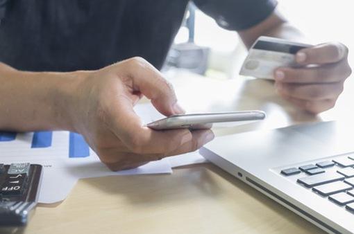 Giảm chi phí thẻ tín dụng nội địa để hạn chế tín dụng đen
