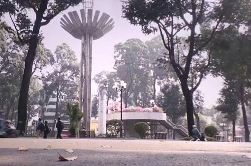 Phố đi bộ Hồ con rùa ở TP Hồ Chí Minh được nhiều người dân hưởng ứng