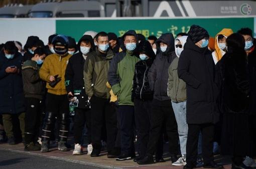 """Trung Quốc khẩn trương tiêm phòng cho nhóm """"cần được bảo vệ"""" trước Tết"""