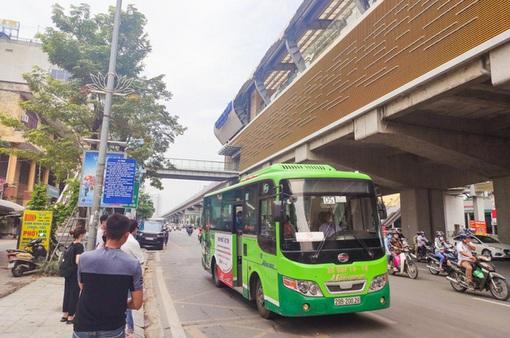 Đề xuất mở rộng vùng phục vụ của 2 tuyến bus năng lượng sạch tại Hà Nội